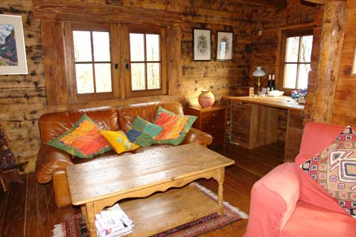 Photo de chalet bois et pierres th nes - Interieur chalet en bois ...